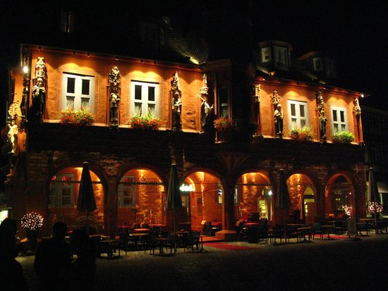 Novum Hotel Kaiserworth Goslar: At night