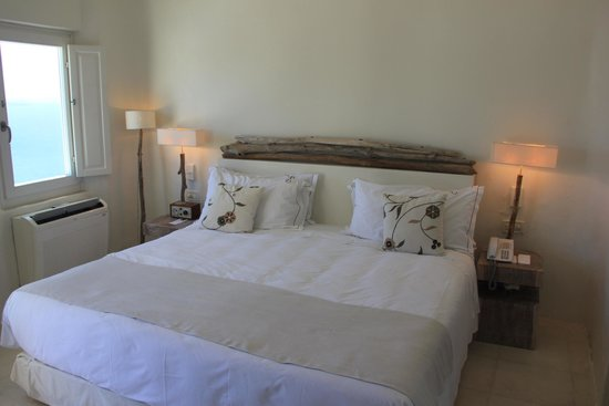Mystique Luxury Collection Hotel: Charming and comfortable bed