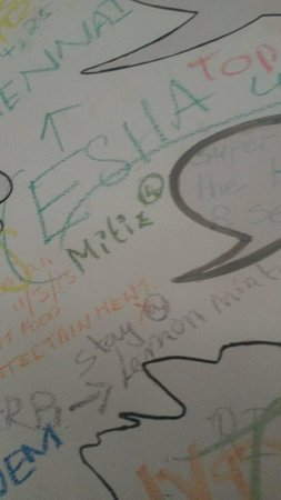 My name on their wall woooow! Zuperb thiings