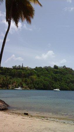 Marigot Beach Club and Dive Resort: Bay view
