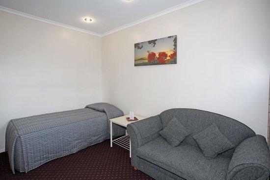 Touchwood Motor Lodge: 1 Brm unit lounge