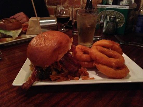 """Citizen Burger Bar: """"Steakhouse Burger"""""""