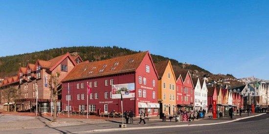 Radisson Blu Royal Hotel, Bergen: Area right outside hotel