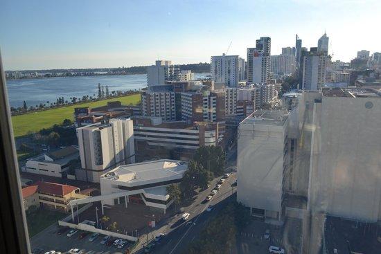 Fraser Suites Perth: Вид из окна