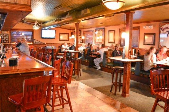 Santangelo's Restaurant: Inside bar section