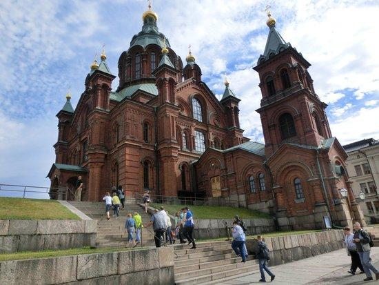Uspenskin Cathedral (Uspenskin Katedraali): ロシアからのツアー客と一緒でした