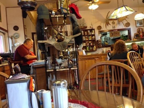 Le Barn Appetit Inn & Creperie: inside Le Barn