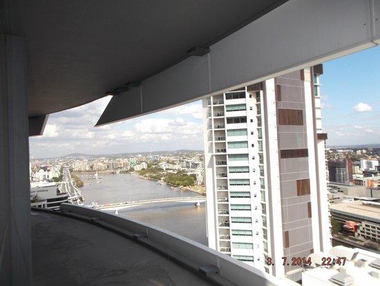 Meriton Serviced Apartments Brisbane on Herschel Street: View downstream of the Brisbane River