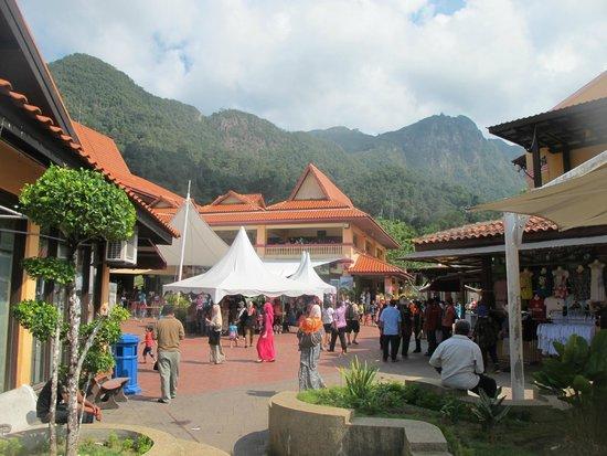 Oriental Village Langkawi: Очень много туристов