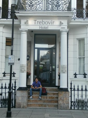 Trebovir Hotel: Lo mejor : el pórtico.