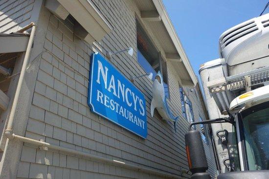 Nancy's Restaurant : Signage