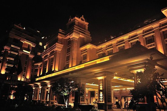 ITC Grand Chola, Chennai: Porch 2