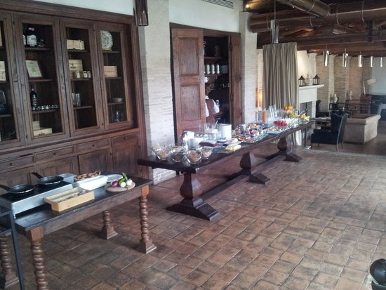 Palazzo Seneca: Partial view of the breakfast buffet