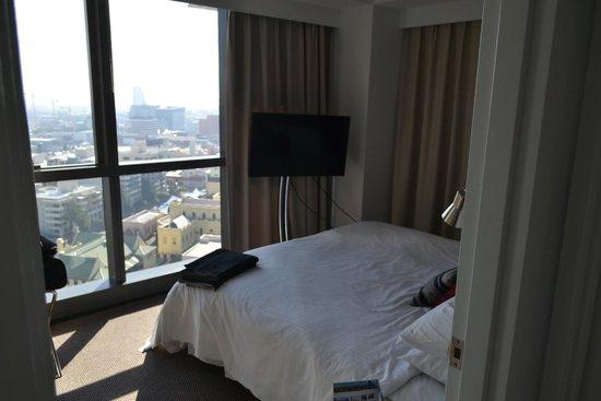 Meriton Suites Adelaide Street, Brisbane: Спальня
