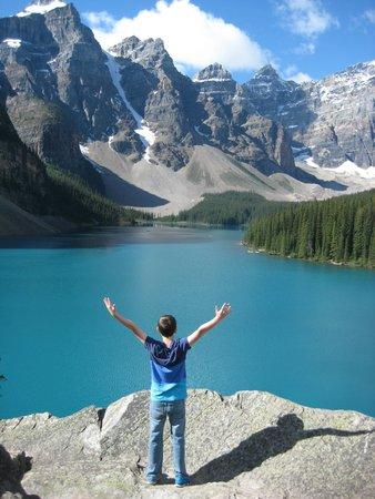Moraine Lake: Incredible!