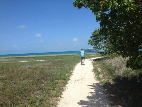 Fort Zachary Taylor Historic State Park: Trail