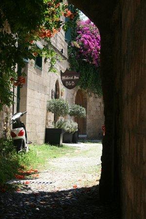 Medieval Inn : Inn Entry