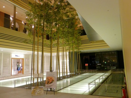 Tokyo Midtown: 竹林のオブジェ