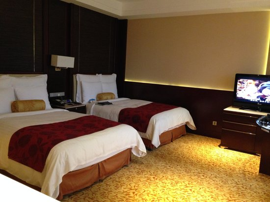 JW Marriott Hotel Shanghai Changfeng Park: Twins bed