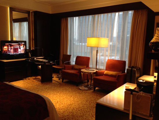 JW Marriott Hotel Shanghai Changfeng Park: Great writing desk