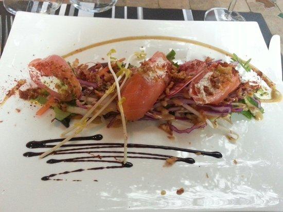 Auberge du Griffou : Roulé de saumon fumé et fromage frais