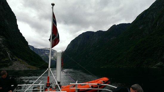 World Heritage Cruise Naeroyfjord: Фьорды. Норвегия