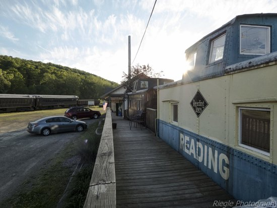 Caboose Motel : View of caboose from outside