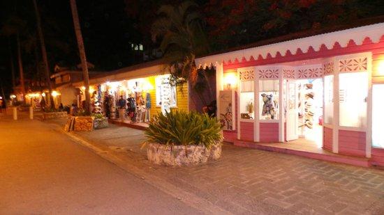 ClubHotel Riu Bambu : Winkelen (2)