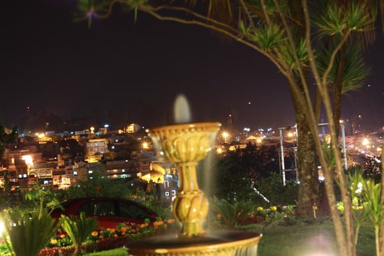 Club Mahindra Derby Green : Night view from hotel