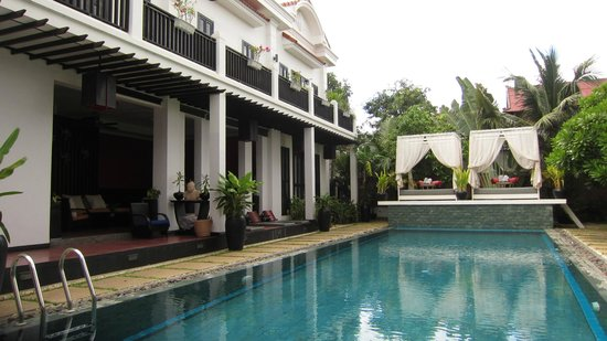 Mulberry Boutique Hotel : Pool courtyard