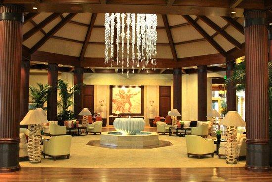 St. Regis Princeville Resort: St. Regis Princeville Lobby