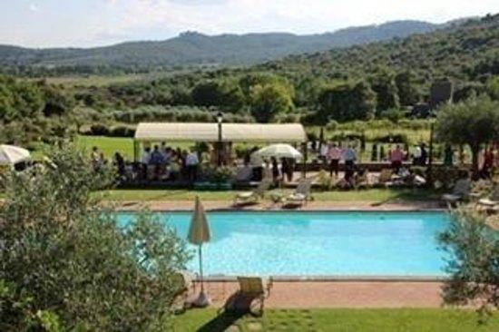 Villa Baroncino: View of the garden reception.