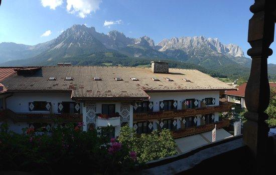 AktivHotel Hochfilzer: Utsikt från vårt rum, helt fantastiskt!!