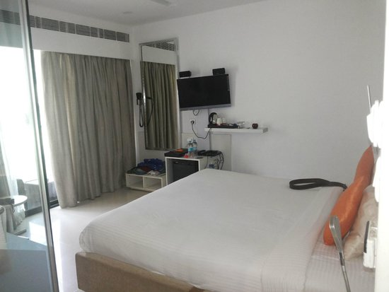 Fahrenheit Hotels and Resorts: Cozy Suite 1!!!