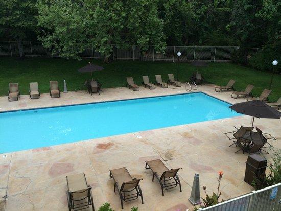 RiverPointe Napa Valley Resort: Pool area