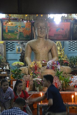 Wat Chong Kham : Ein ganz besonderer Buddha