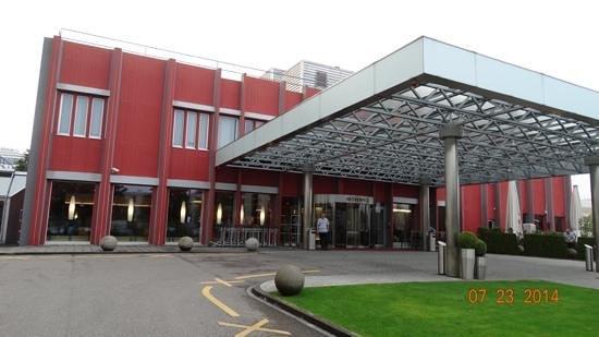Movenpick Hotel Zurich-Airport: Interior