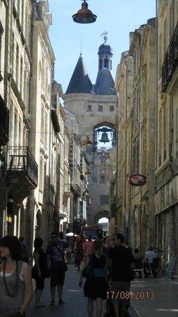 Porte Cailhau : rue et porte