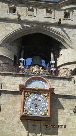 Porte Cailhau : vue de près