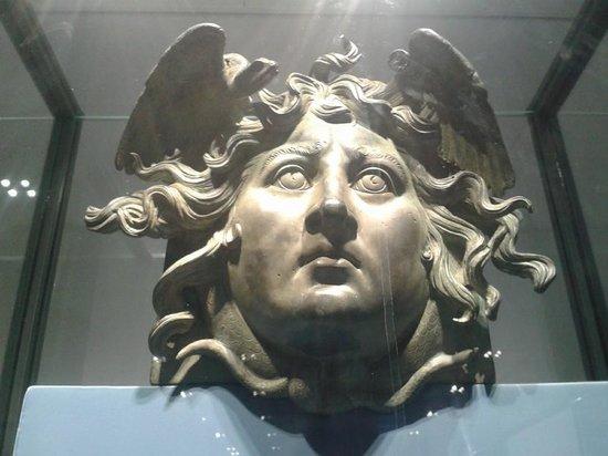 AppetiTours : Mask of Caligola boat (Palazzo Massimo)