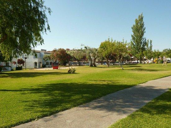 Seaclub Mediterranean Resort: C block space for children to play