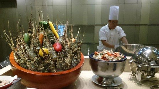 Hotel Nikko Saigon: seafood heaven