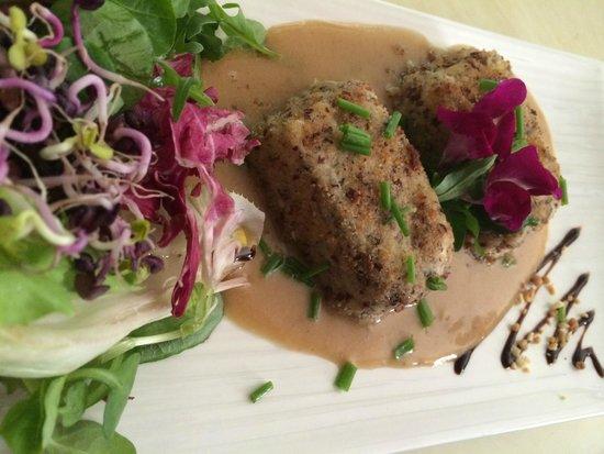 Le Mercurey : Mousseline de volaille en croute de noisettes