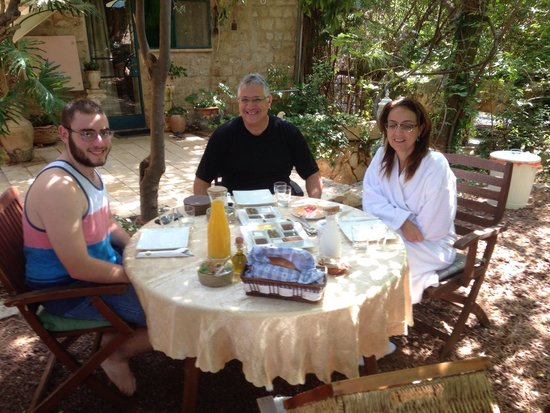 Pina Balev : Our family enjoying an Heavenly breakfast.