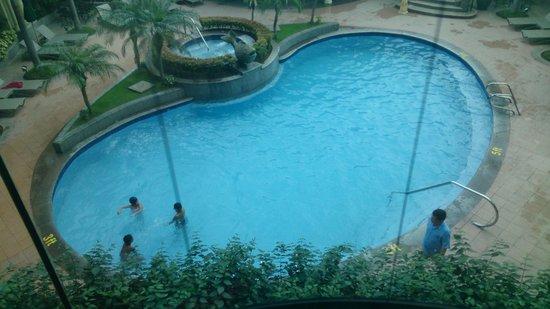 Pan Pacific Manila : nice pool