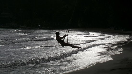 Koh Chang Paradise Resort & Spa: Beach swings, a lot of fun