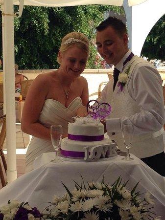 Louis Phaethon Beach : Mr and mrs Kendall