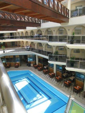 L'Ancora Hotel : Так выглядит Ланкора с третьего этажа )