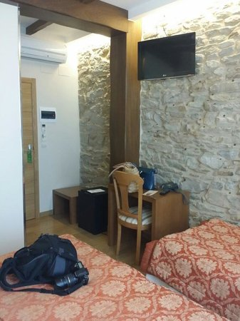Hostal Mapoula: Habitación 107 triple