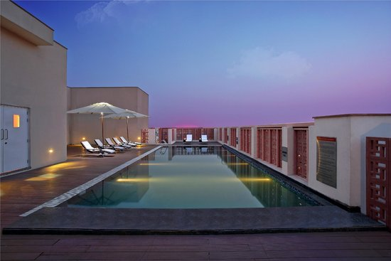 Ibis Jaipur: Roof Top Pool